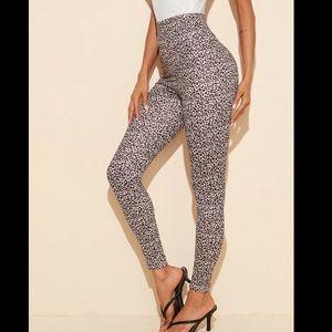 SHEIN Pants & Jumpsuits - Beautiful high waisted leopard print leggings!🐆